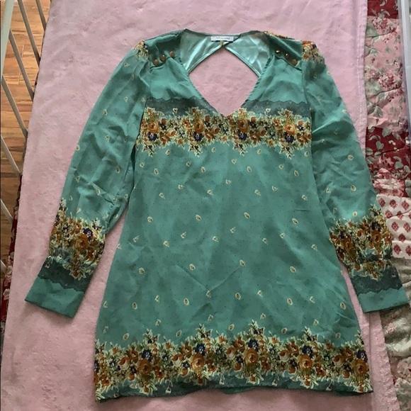 Xtaren Dresses & Skirts - Chiffon mini dress with floral detail
